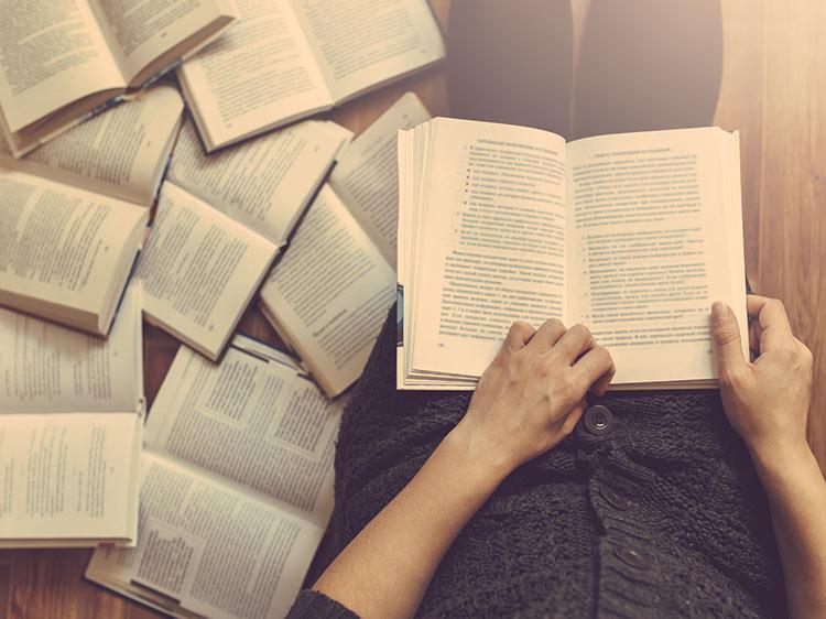 10 jobs for people who love to read