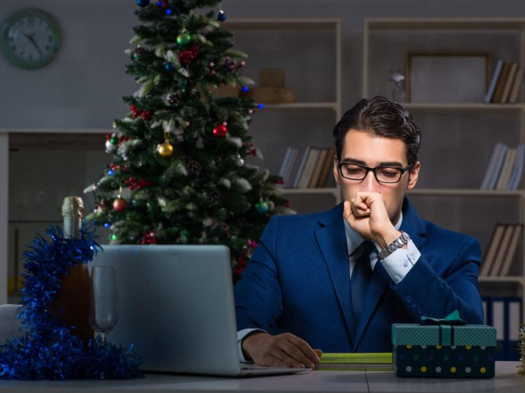 How to stay focused on your job search during the holidays