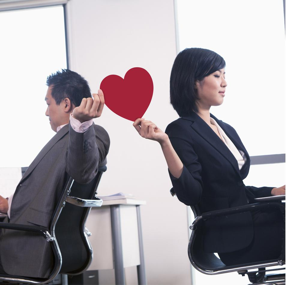 How to have an office romance while staying professional