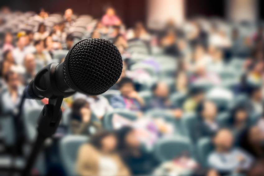 Easy ways to overcome the 3 most annoying public speaking tics